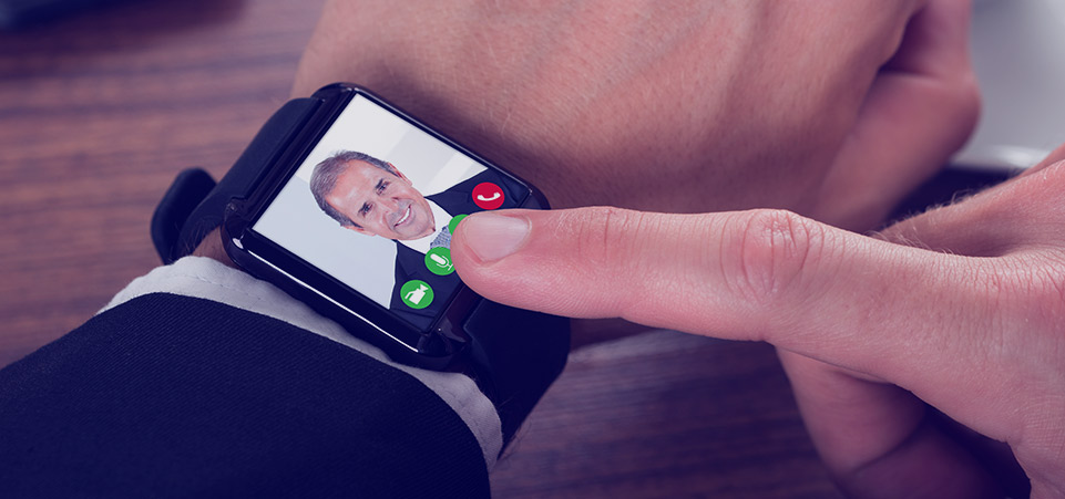 Wearable Camera-Enabled IoT Device: Apple Watch for FaceTiming