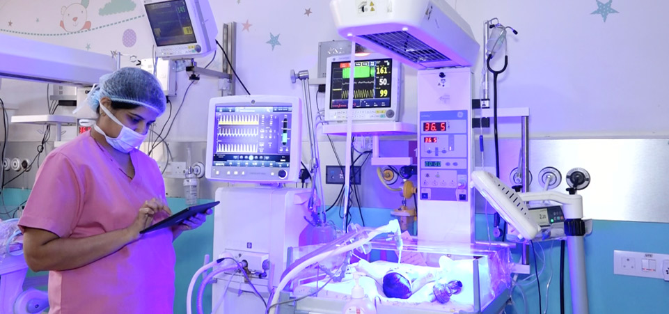 Neonatal Intensive Care Unit (iNICU) With Clinician Monitoring Newborn